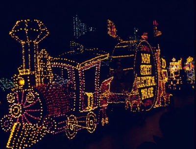 Disneyland Main Street Electrical Parade 1977 (in parade sequence)
